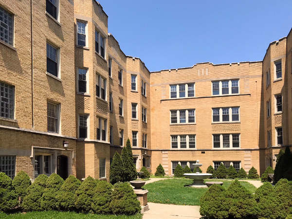 2014 W. Foster – Beautifully Rehabbed 2 Bedroom in Lincoln Square Area