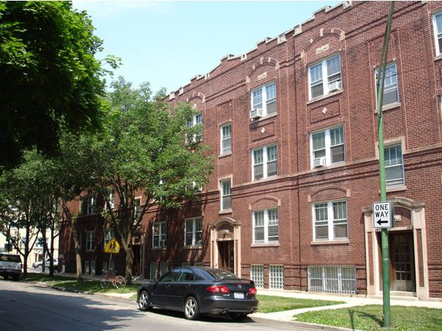 1518 West Berteau – Large One Bedroom in Ravenswood/Lakeview