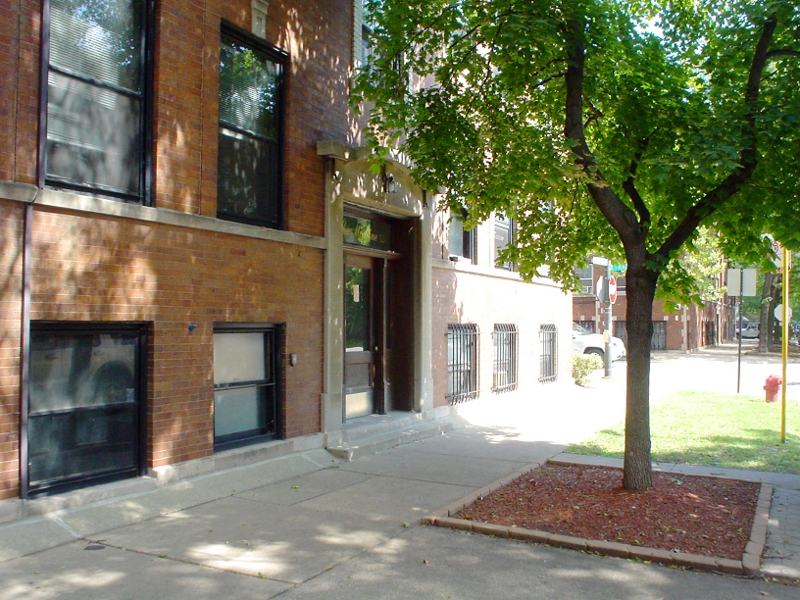2440 N. Racine #1 – Completely Renovated Lincoln Park One Bedroom